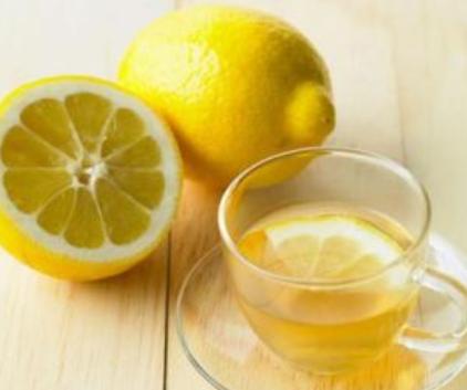 柠檬泡水的好处有哪些?_1